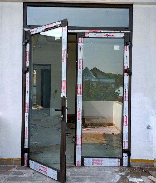 cửa đi quay 2 cánh xingfa