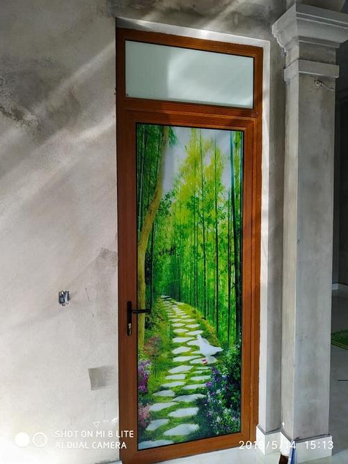 mẫu cửa đi thông phòng nhôm kenwin kính họa tiết