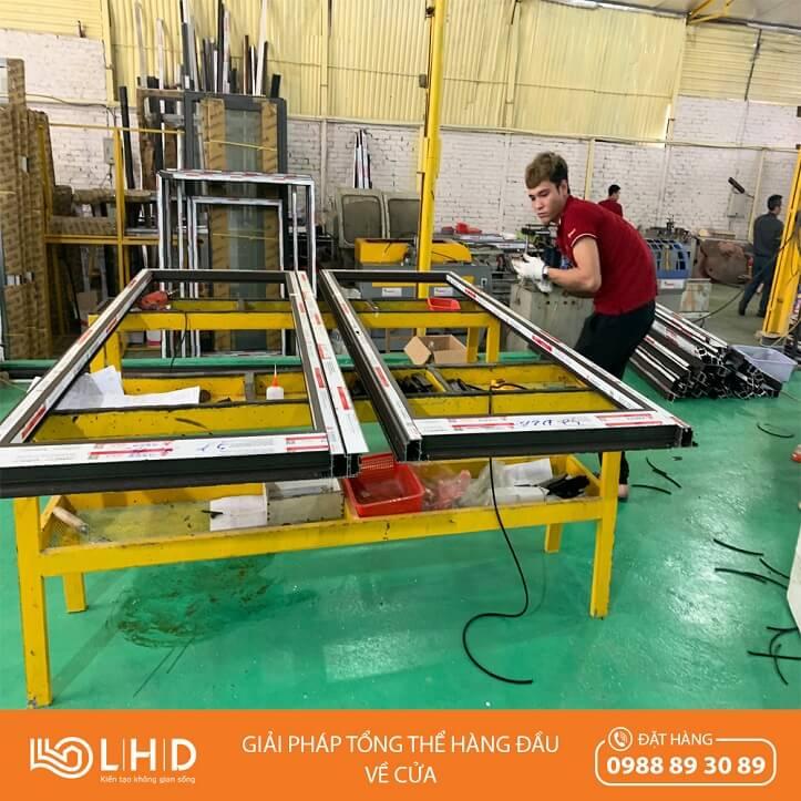 nhà máy sản xuất cửa nhôm xingfa tại lhdgroup 1