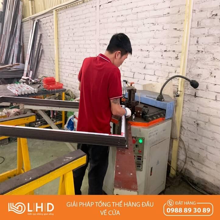 nhà máy sản xuất cửa nhôm xingfa tại lhdgroup 5